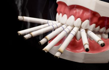 smoking-is-injurious-to-your-teeth
